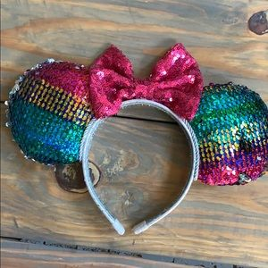 Sequin Minnie ears, color changing
